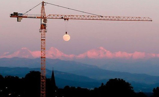 moon crane